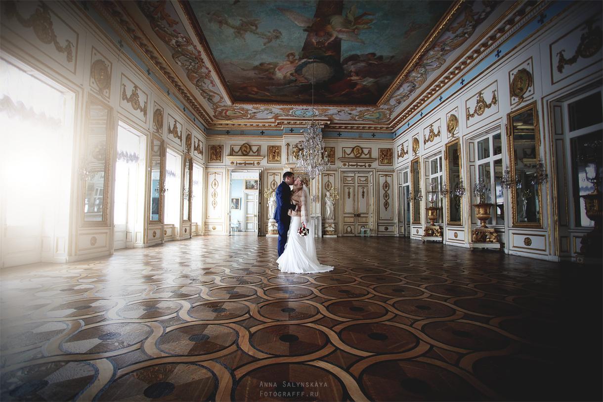 Свадебная фотосессия невеста с букетом
